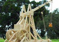 В Дальневосточном ВОКУ воссоздали копии средневековых осадных орудий